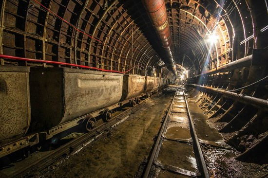 The catacombs of the unfinished subway, Dnepropetrovsk, Ukraine, photo 5