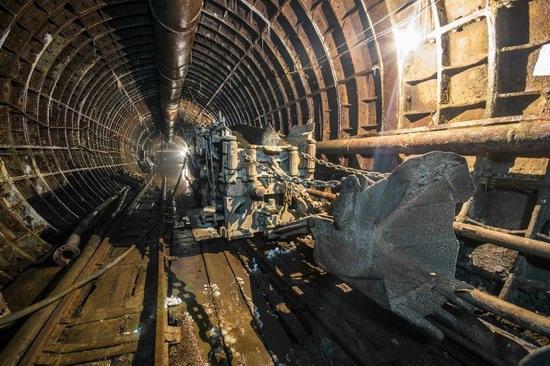 The catacombs of the unfinished subway, Dnepropetrovsk, Ukraine, photo 8