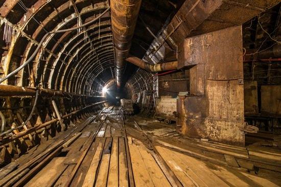 The catacombs of the unfinished subway, Dnepropetrovsk, Ukraine, photo 9