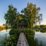 Fairy-tale house in the middle of the lake near Kyiv