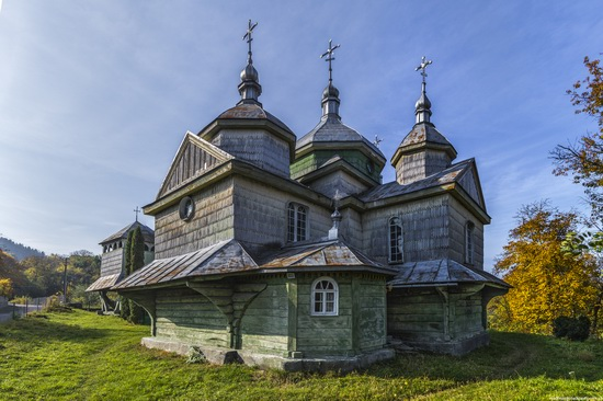 Church of St. Michael the Archangel in Lahodiv, Lviv region, Ukraine, photo 2