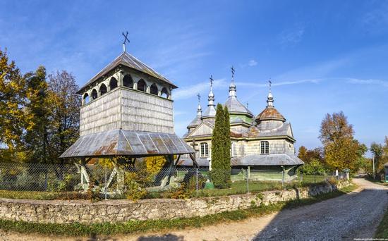 Church of St. Michael the Archangel in Lahodiv, Lviv region, Ukraine, photo 4