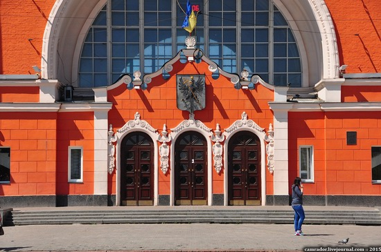 Chernihiv railway station, Ukraine, photo 4