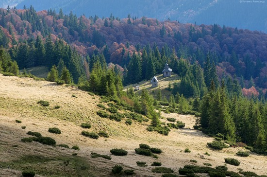 All colors of autumn in the Ukrainian Carpathians, photo 11