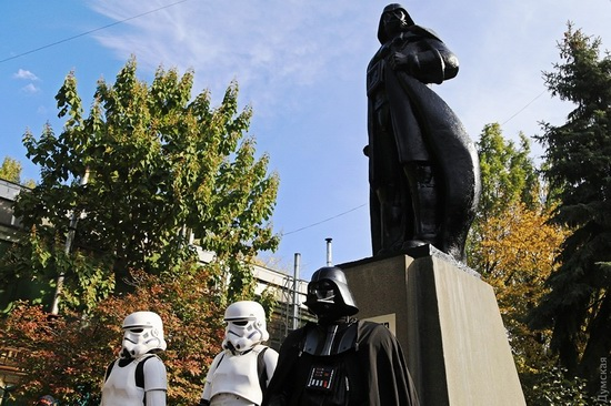 Darth Vader monument, Odessa, Ukraine, photo 1