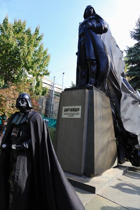 Darth Vader monument, Odessa, Ukraine, photo 8
