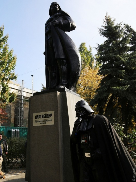 Darth Vader monument, Odessa, Ukraine, photo 9