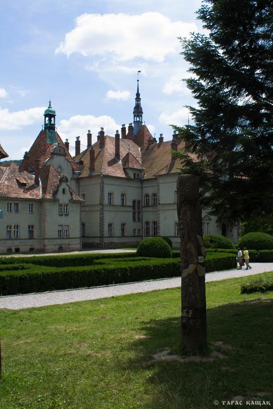 Schonborn Castle-Palace, Mukachevo, Zakarpattia, Ukraine, photo 5