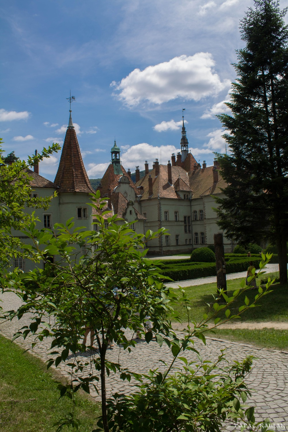 castle palace   counts schonborn  mukachevo