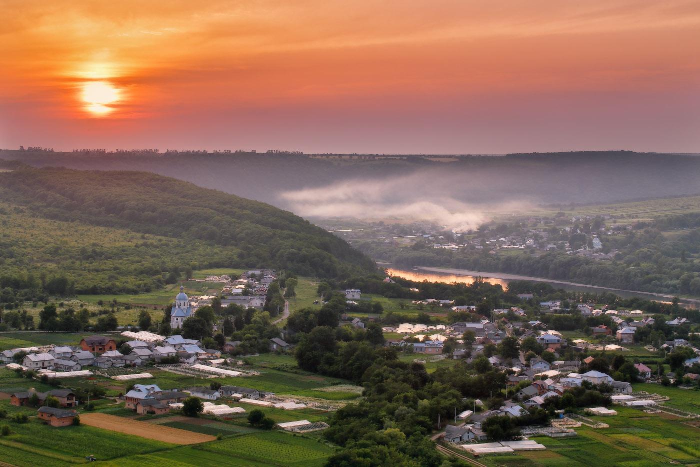 Summer Evening on the Dniester River · Ukraine travel blog