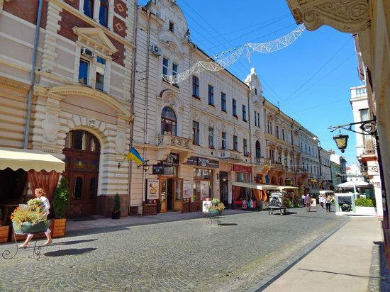 Chernivtsi city streets, Ukraine, photo 10