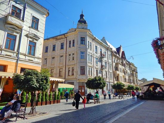 Chernivtsi city streets, Ukraine, photo 11
