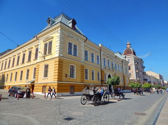 Chernivtsi city streets, Ukraine, photo 9