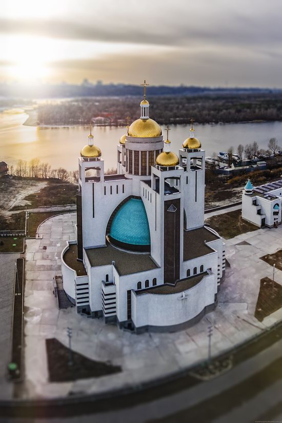 Patriarchal Cathedral of the Resurrection of Christ in Kyiv, Ukraine, photo 2