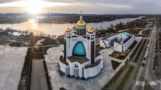 Patriarchal Cathedral of the Resurrection of Christ in Kyiv, Ukraine, photo 3