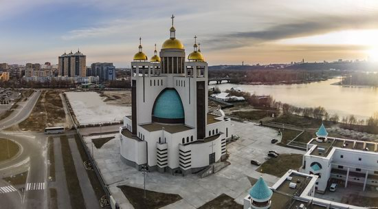 Patriarchal Cathedral of the Resurrection of Christ in Kyiv, Ukraine, photo 5