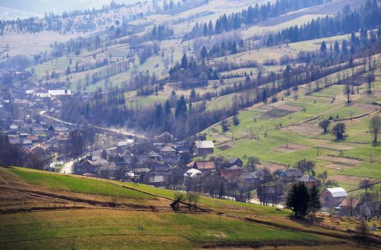 Sunny April day in the Ukrainian Carpathians, photo 10