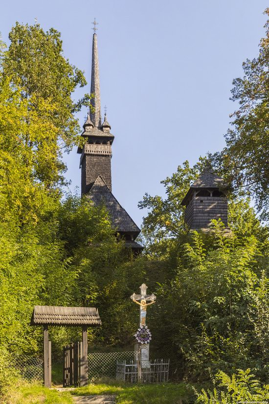 Gothic wooden church in Danilovo, Zakarpattia region, Ukraine, photo 4