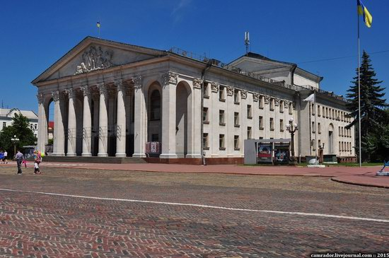 Sunny day in Chernihiv, Ukraine, photo 10