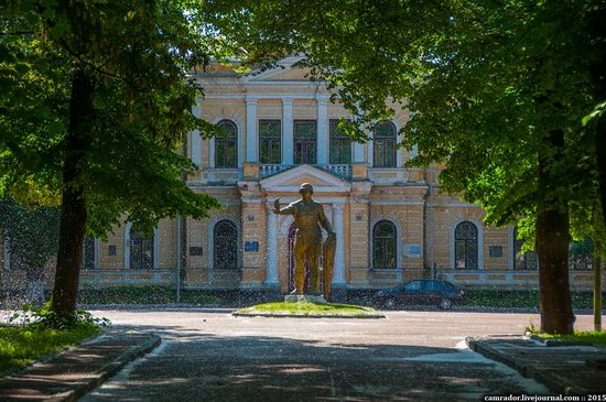 Sunny day in Chernihiv, Ukraine, photo 4