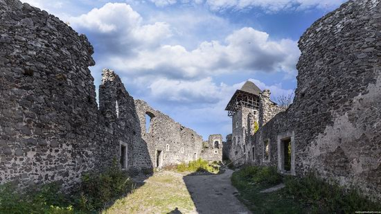 The ruins of Nevytsky Castle, Zakarpattia region, Ukraine, photo 5