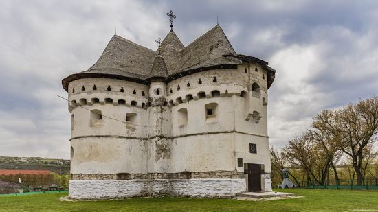 Holy Protection Fortress-Church, Sutkivtsi, Ukraine, photo 10