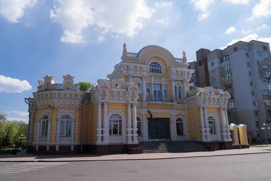Khreshchatyk Street in Cherkasy, Ukraine, photo 1