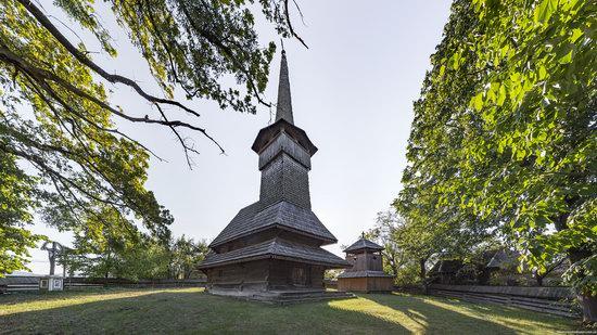 Church of the Dormition, Novoselytsya, Ukraine, photo 1