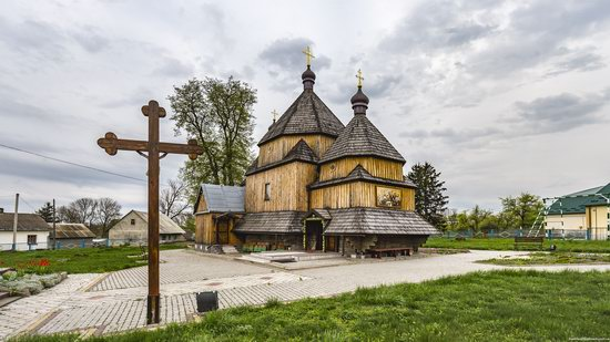 St John the Evangelist Church, Skoryky, Ukraine, photo 1