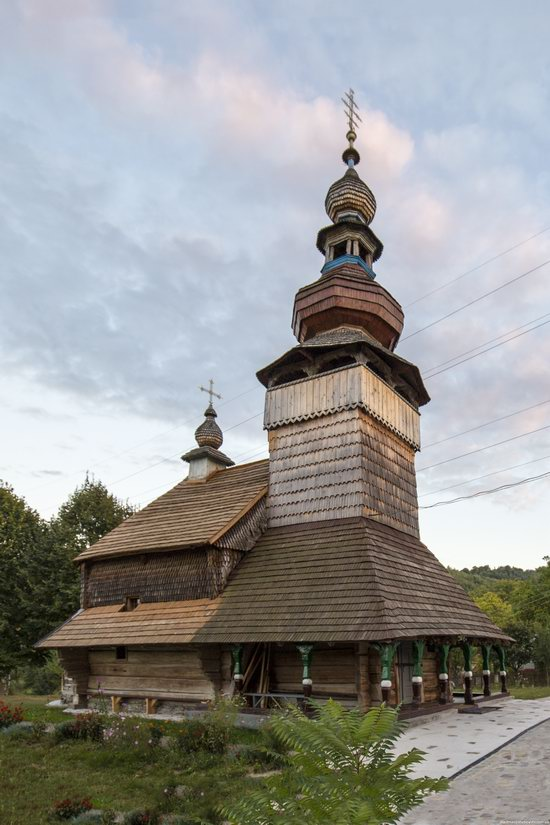 St. Michael Church, Svalyava, Zakarpattia, Ukraine, photo 3