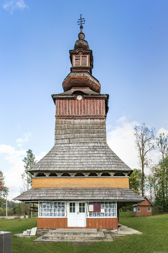 Church of the Nativity of the Virgin in Pylypets, Ukraine, photo 3