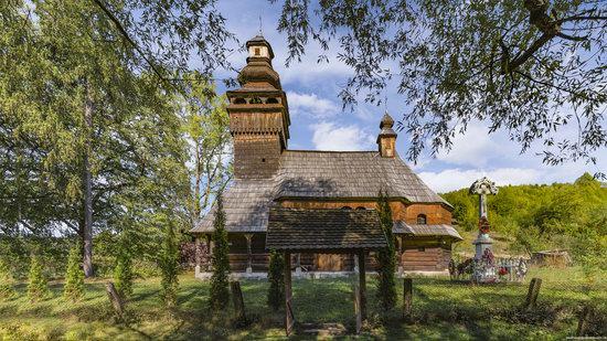 St. Nicholas Church, Chornoholova, Ukraine, photo 3