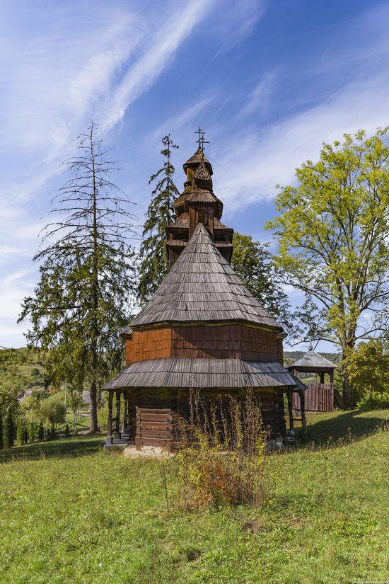St. Nicholas Church, Chornoholova, Ukraine, photo 5