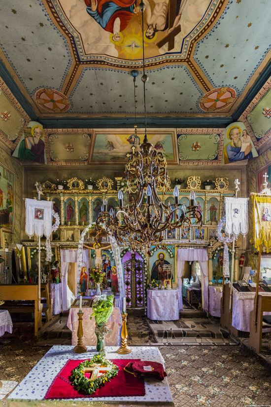 St. Nicholas Church, Chornoholova, Ukraine, photo 9