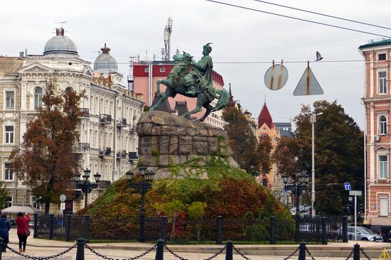 In the center of Kyiv, Ukraine, photo 9
