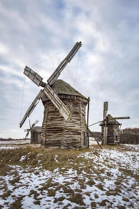Windmills, Pyrohiv museum, Kyiv, Ukraine, photo 2