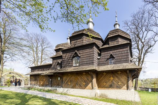 Wooden St. Nicholas Church, Sapohiv, Ukraine, photo 8