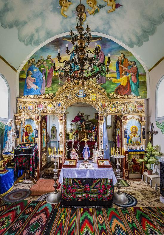 Defensive Church of St. George in Kasperivtsi, Ternopil region, Ukraine, photo 11