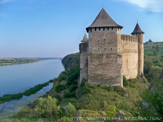 Khotyn Fortress in the Chernivtsi region, Ukraine, photo 1