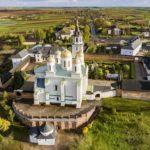 Uspenskyi Svyatohorskyi Convent in Zymne