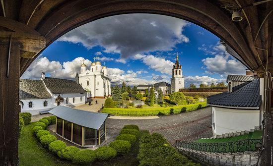 Uspenskyi Svyatohorskyi Convent in Zymne, Ukraine, photo 13