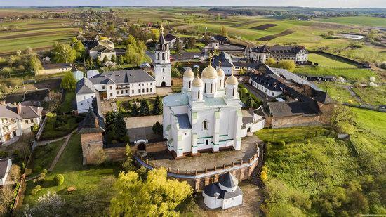 Uspenskyi Svyatohorskyi Convent in Zymne, Ukraine, photo 3