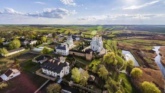 Uspenskyi Svyatohorskyi Convent in Zymne, Ukraine, photo 5