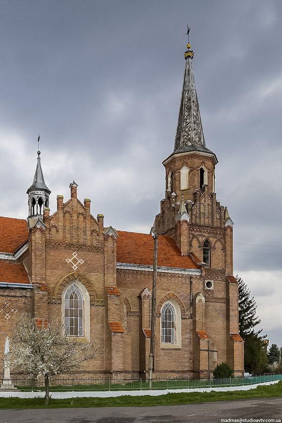 Catholic Church in Stoyaniv, Lviv region, Ukraine, photo 3