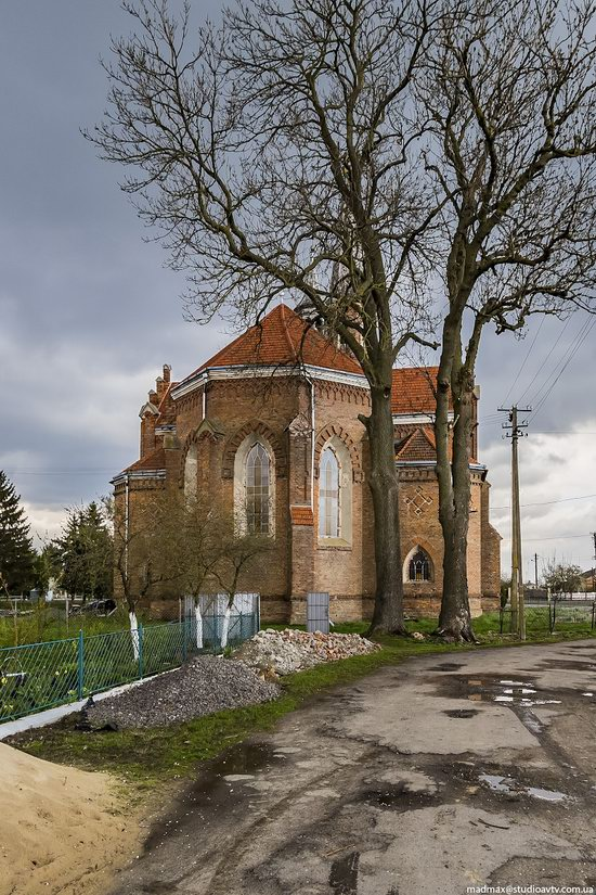 Catholic Church in Stoyaniv, Lviv region, Ukraine, photo 4