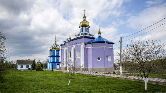 Holy Trinity Church in Trostyanets, Volyn region, Ukraine, photo 3