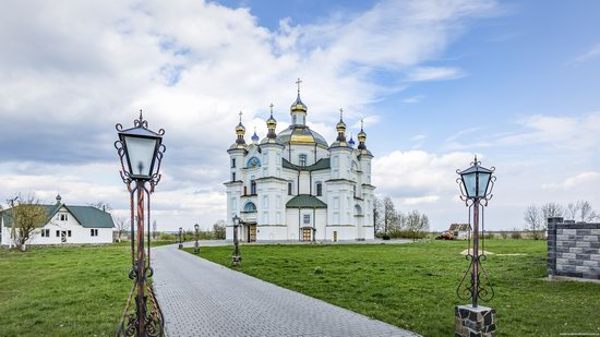 Intercession Church in Piddubtsi, Volyn region, Ukraine, photo 1