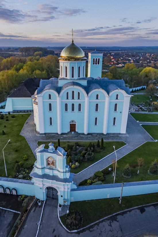 Assumption Cathedral in Volodymyr-Volynskyi, Ukraine, photo 4