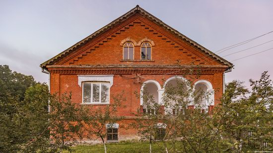 Palace of Kolonn-Chesnovsky in Bozhykivtsi, Ukraine, photo 11