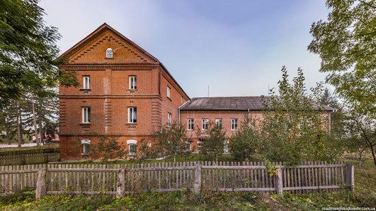 Palace of Kolonn-Chesnovsky in Bozhykivtsi, Ukraine, photo 7